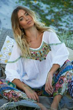 Roxy Plain Shirt in White Gypsy Style, Boho Gypsy, Hippie Style, Bohemian Style, Boho Chic, My Style, Hippie Bohemian, Hippie Chic, Boho Outfits