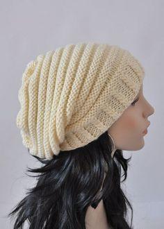 Sombreros Otoño 2012 | Cucarachas en la cabeza de la mujer