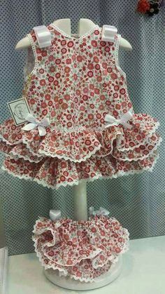 Explore our stylish baby trousers, along with attractive vests and woolens available. Baby Summer Dresses, Baby Girl Dresses, Little Girl Outfits, Kids Outfits, Baby Dress Design, Baby Girl Pants, Baby Clothes Patterns, Baby Gown, Baby Sewing