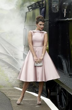 Irresistible Stunning Mother of the Bride & Groom outfit. Modern Mother of the Bride dress. Posh Dresses, Cheap Party Dresses, Wedding Party Dresses, Vintage Dresses, Bride Dresses, Wedding Outfits, Ball Dresses, Groom Outfit, Groom Dress