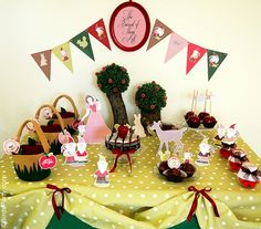 Vintage Snow White Inspired Birthday Party