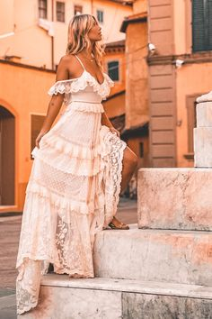 Bridal Gowns, Wedding Gowns, Floral Wedding Gown, Look Boho, Boho Bride, Bridal Style, Boho Chic, Hippie Chic, Hippie Style