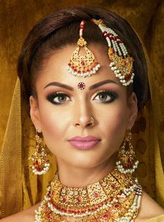Khalida :: Khush Mag - Asian wedding magazine for every bride and groom planning their Big Day