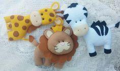 Leão, Zebra e Girafa em Feltro para Decoração   Direto da Savana , o Leão, a Zebra e a Girafa em feltro chega em nosso Ateliê esperando o endereço da sua casa.