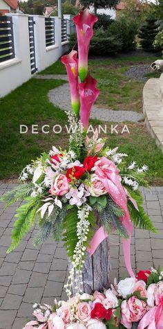 Pracownia florystyczna DecoWianka proponuje Państwu kompozycje nagrobne w wybranej przez Państwa kolorystyce i wymiarze. Funeral, Christmas Ideas, Plants, Stuff Stuff, Plant, Planets