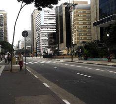 Avenida paulista, esquina com a avenida consolação.