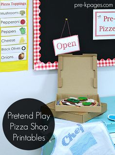 Pizza Shop Pretend Play Printables to make learning fun and meaningful in Preschool and Kindergarten! Dramatic Play Themes, Dramatic Play Area, Dramatic Play Centers, Preschool Centers, Preschool Lessons, Preschool Activities, Preschool Printables, Play Based Learning, Fun Learning