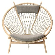 Original circle chair by Hans Wegner for PP Møbler | archdigest.com