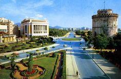 40 έγχρωμες φωτογραφίες που μας μεταφέρουν πίσω στο χρόνο σε μια άλλη Ελλάδα - Τι λες τώρα; Greece Pictures, Old Pictures, Old Photos, Thessaloniki, Old Postcards, Macedonia, Athens, Places To Visit, Europe