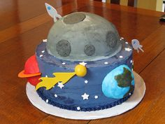 Space Cake idea for out of this world blue & gold