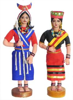 Naga Folk Dancers from Nagaland, India - Costume Cloth DOlls Quilling Dolls, Quilling Ideas, Paper Quilling, Growing Sunflowers, Traditional Toys, Indian Costumes, Indian Dolls, Indian Folk Art, Girls Together