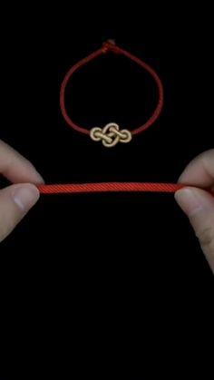 Diy Friendship Bracelets Patterns, Diy Bracelets Easy, Handmade Bracelets, Handmade Jewelry, Jewelry Knots, Beaded Jewelry, Beaded Bracelets, Diy Crafts Jewelry, Bracelet Crafts