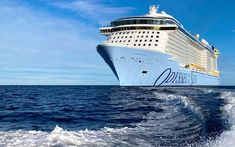 Royal Caribbean han recibido de manos de los astilleros al Odyssey of the Seas, su barco número 25 de la flota. Por otro lado informaba del regreso al servicio del Anthem of the Seas este verano. Estas son todas las novedades. #cruceros #viajar #cruises #noticias #OdysseyoftheSeas #RoyalCaribbean Royal Caribbean, Southampton, Florida, Sea, Cruises, Boats, Armed Forces, Cabins, United Kingdom