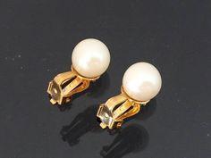 Vintage Jewelry Gold Tone Faux Pearl Clip on Earrings by wandajewelry2013 on Etsy