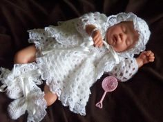 for baby funeral size Preemie Crochet, Crochet Baby Booties, Preemie Babies, Premature Baby, Crotchet Patterns, Baby Patterns, Stillborn Baby, Angel Gowns, Angel Babies
