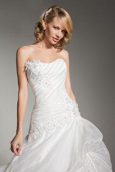 Scoop Neck Dropped Waist Catch-Up Skirt Wedding Dress