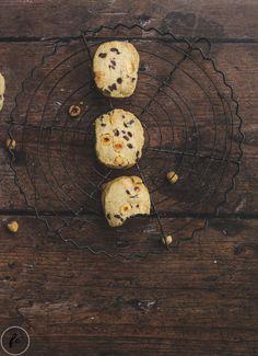 Rezept für einfache Haselnuss Chocolate Chip Cookies (ohne Ei) Chocolate Chip Cookies, Cupcakes, Breakfast, Sweet, Muffins, German, Food, Whole Wheat Flour, Biscuits