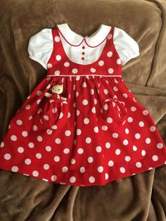 Darling Details ❤~ Piping, pin tucks, pockets and polka dots on dress from Dragonbees. Red and White Polka Dots Dress with Pocket Kitty Baby Girl Dress Patterns, Little Girl Dresses, Baby Dress, Girls Dresses, Summer Dresses, White Polka Dot Dress, Polka Dots, Frock Design, Kids Frocks