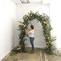 I loved spending the last couple of days teaching Ashley of She's got beautiful flowers, a heart of gold, and is ready… Garland Wedding, Wedding Ceremony Decorations, Wedding Arches, Wedding Ideas, Wedding Inspiration, Centerpiece Decorations, Flower Decorations, Floral Wedding, Wedding Flowers