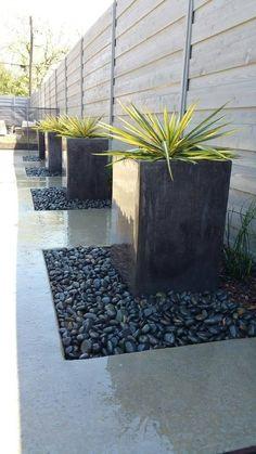 Beautiful area landscaped by Cut-N-Edge. Side Yard Landscaping, Backyard Patio Designs, Modern Backyard, Yard Design, Modern Landscaping, Backyard Ideas, Desert Backyard, Pool Ideas, Modern Garden Design