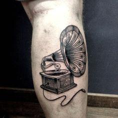 #gramophone #victorianstyle by #misssita @ #oneonine #tattoobarcelona #blackworkers #engraving
