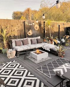 Unique Patio Ideas For Backyards Or Other Outdoor Areas Inspire Me Home Decor, Outdoor Areas, Indoor Outdoor, Outdoor Patio Designs, Patio Ideas, Interior Design Career, Best Decor, Home Improvement Loans, Online Furniture Stores