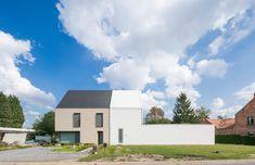 Gallery of House CR / dmvA - 1
