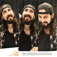 He is cute He is handsome He is talented I like his cheeks I like his beard I like his teeths I like his snapbacks I like his voice ---------------------------------- Él es lindo El es guapo El es talentoso Me gustan sus mejillas Me gusta su barba Me gustan sus dientes Me gustan sus snapbacks Me gusta su voz #avikaplan #avrielkaplan #aviholic #avilover #nevertoomuchavi #ptxfans #scotthoying #kevinolusola #kirstinmaldonado #mitchgrassi #ptxfor...