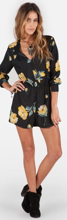 28ff1700180 The Volcom Props Jumper features an allover floral print and a  figure-flattering shape