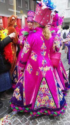 Afbeeldingsresultaat voor carnavalsjas zelf maken