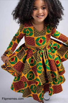African Dresses For Kids, Dresses Kids Girl, African Fashion Dresses, African Attire, Beautiful Ankara Gowns, Beautiful Ankara Styles, Ankara Gown Styles, Kids Ankara Styles, Simple Dress Styles