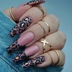 Leopard Print Nail Art Aesigns Give You Beauty Inspiration Leopard print is a pattern resembling a leopard fur pattern and is one of the most common animal print elements. Some fashion darlings use leopard print elements for nail art. Cute Acrylic Nail Designs, Best Acrylic Nails, Nail Art Designs, Cheetah Nail Designs, Gel Nail Art, Nail Nail, Glam Nails, Cute Nails, Glitter Nails