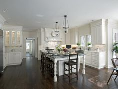 Here is another example of the layout I imagine in My Dream Coastal Kitchen.