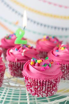 Objetivo: Cupcake Perfecto.: Cupcakes de Frambuesa para celebrar mi segundo cumpleblog (¡¡y sorteo!!)