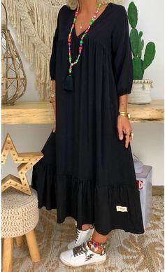 Winter Fashion Outfits, Hijab Fashion, Winter Outfits Women, Boho Fashion, Fashion Dresses, Denim Jacket With Dress, Over 50 Womens Fashion, African Print Fashion, Mode Hijab