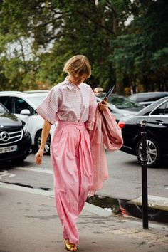 27 Cute Spring Outfit Ideas to Try in Pastel Colors Pink Street, Street Chic, Street Fashion, Song Of Style, Style Me, Elie Saab, Pink Fashion, Fashion Looks, Fashion Outfits