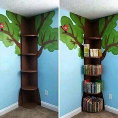 Librero en forma de Árbol .