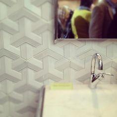 Geometric tile by Daniel Ogassian
