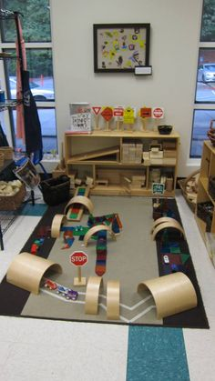 Construction play area, however I feel it not only a construction area but also . Construction play area, however I feel it not only a construction area but also having litle bit dramatic play. Reggio Emilia, Reggio Classroom, Preschool Classroom, Preschool Activities, Kindergarten, Preschool Sign In, Preschool Layout, Block Center Preschool, Play Based Learning