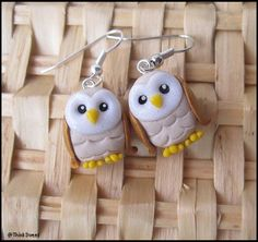 How cute are these little owls ? Little (0,6 inches) lovely earrings in polymer clay, entirely handmade. Perfect for a gift, or just to show it off this fall