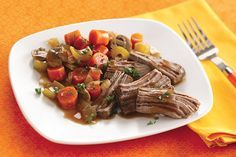 Hungry Girl's famous Slow-Cooker Pot Roast Recipe for the holiday season. Make this hot and healthy comfort food for the cold winter season ahead. Healthy Pot Roast, Healthy Slow Cooker, Slow Cooker Recipes, Pot Roast Recipes, Crockpot Recipes, Healthy Recipes, Ww Recipes, Skinny Recipes, Crockpot Dishes