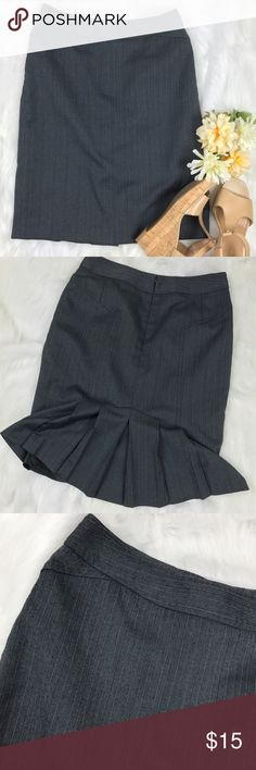 Petite Sophisticate ruffle flare skirt, size 2 Petite Sophisticate ruffle flare pinstripe skirt, size 2p. Excellent condition with a gorgeous ruffle in the back. Waist measures 28 inches, length measures 22 inches. It's sized as petite, but would easily go to knee length on an average height person. Petite Sophisticate Skirts