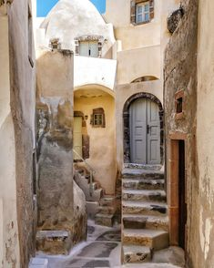 Small doorways by Janys L Santorini Greece, Doorway, Old Things, Mansions, Street, House Styles, Places, Houses, Jerusalem