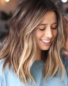 best Bob and balayage-style hair styling ideas - Page 11 of 41 - BEAUTIFUL L.The best Bob and balayage-style hair styling ideas - Page 11 of 41 - BEAUTIFUL L. Honey Blonde Hair, Blonde Hair With Highlights, Partial Highlights, Blonde Brunette, Surfer Hair, Pro Surfer, Ombre Hair, Hair Inspiration, Short Hair Styles