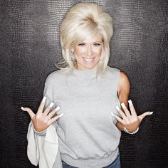 Theresa Caputo and her show 'Long Island Medium' on TLC have been my guilty pleasure for a long time. Would she really be able to connect me to my dead father? Big Blonde Hair, Platinum Blonde Hair, Big Hair, Long Fingernails, Long Nails, Long French Nails, Long Island Medium, French Manicure Acrylic Nails, Flare Nails