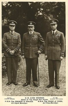 King George V. of Britain with his sons Prince of Wales and Duke of York