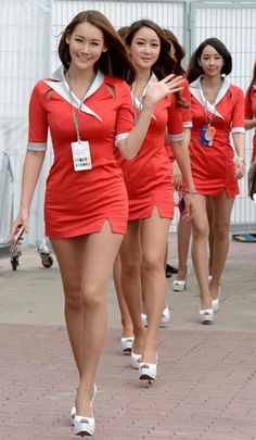 Grid girls for the Formula One Korean Grand Prix pose before the final race at the International Circuit in Yeongam, South Jeolla Province on Sunday. Sexy Outfits, Girl Outfits, Flight Girls, Grid Girls, Sexy Legs And Heels, Cute Asian Girls, Beautiful Asian Women, Sport Girl, Asian Fashion