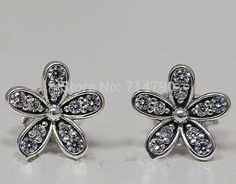 2015 New 925 Sterling Silver Jewelry Daisy Stud Earring with Clear Cz