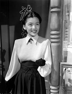 """Maylia AKA Gloria Chin from Detroit, hailed by Columbia Pictures as Hollywood's """"first Chinese starlet since Anna May Wong"""". Vintage Hollywood, Hollywood Glamour, 1940s Looks, Asian American, American History, Women In History, Western Outfits, Beautiful Outfits, Beautiful Clothes"""