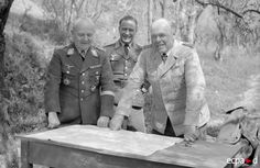 GenLt Richard Heidrich and Feldmarschall Albert Kesselring, approx. 1943 (Heidrich was awarded the Oak Leaves to his Knight's Cross in February 1944 which can't be seen here).